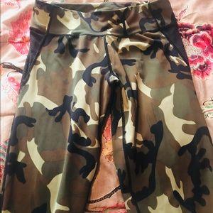 Bundle!!! Diamante military legging-skechers shirt